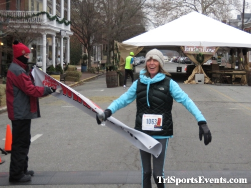 Run Like The Dickens 5K Run/Walk<br><br><br><br><a href='https://www.trisportsevents.com/pics/IMG_0505_8191679.JPG' download='IMG_0505_8191679.JPG'>Click here to download.</a><Br><a href='http://www.facebook.com/sharer.php?u=http:%2F%2Fwww.trisportsevents.com%2Fpics%2FIMG_0505_8191679.JPG&t=Run Like The Dickens 5K Run/Walk' target='_blank'><img src='images/fb_share.png' width='100'></a>