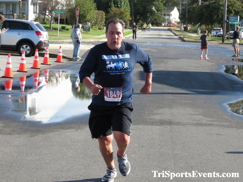 Rock Hall FallFest Rub for Character 5K Run/Walk<br><br><br><br><a href='https://www.trisportsevents.com/pics/IMG_0522_58466672.JPG' download='IMG_0522_58466672.JPG'>Click here to download.</a><Br><a href='http://www.facebook.com/sharer.php?u=http:%2F%2Fwww.trisportsevents.com%2Fpics%2FIMG_0522_58466672.JPG&t=Rock Hall FallFest Rub for Character 5K Run/Walk' target='_blank'><img src='images/fb_share.png' width='100'></a>