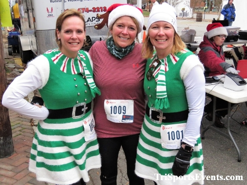 Run Like The Dickens 5K Run/Walk<br><br><br><br><a href='http://www.trisportsevents.com/pics/IMG_0523_18460193.JPG' download='IMG_0523_18460193.JPG'>Click here to download.</a><Br><a href='http://www.facebook.com/sharer.php?u=http:%2F%2Fwww.trisportsevents.com%2Fpics%2FIMG_0523_18460193.JPG&t=Run Like The Dickens 5K Run/Walk' target='_blank'><img src='images/fb_share.png' width='100'></a>