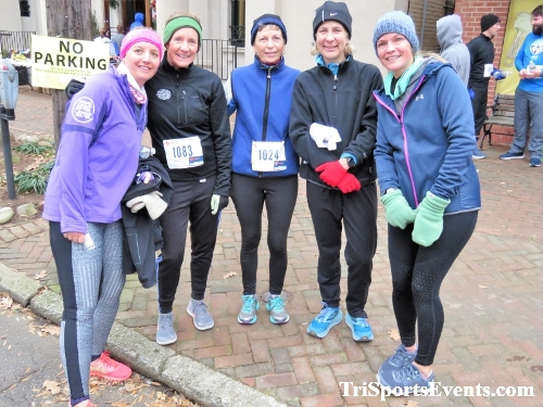 Run Like The Dickens 5K Run/Walk<br><br><br><br><a href='http://www.trisportsevents.com/pics/IMG_0524_719576.JPG' download='IMG_0524_719576.JPG'>Click here to download.</a><Br><a href='http://www.facebook.com/sharer.php?u=http:%2F%2Fwww.trisportsevents.com%2Fpics%2FIMG_0524_719576.JPG&t=Run Like The Dickens 5K Run/Walk' target='_blank'><img src='images/fb_share.png' width='100'></a>