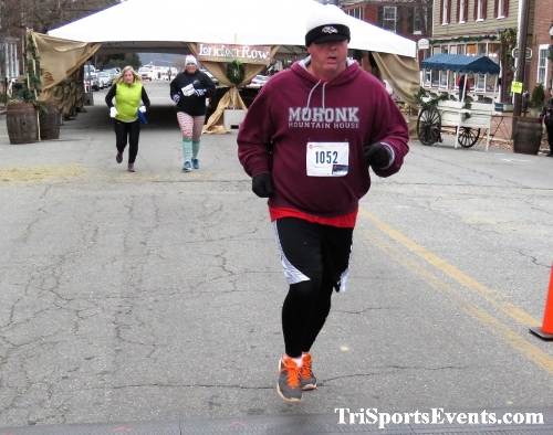 Run Like The Dickens 5K Run/Walk<br><br><br><br><a href='http://www.trisportsevents.com/pics/IMG_0525_51346670.JPG' download='IMG_0525_51346670.JPG'>Click here to download.</a><Br><a href='http://www.facebook.com/sharer.php?u=http:%2F%2Fwww.trisportsevents.com%2Fpics%2FIMG_0525_51346670.JPG&t=Run Like The Dickens 5K Run/Walk' target='_blank'><img src='images/fb_share.png' width='100'></a>