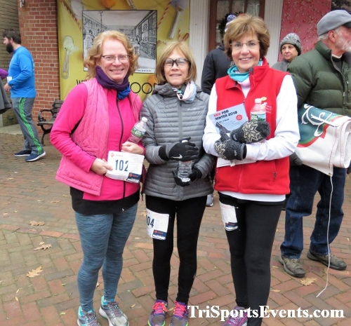Run Like The Dickens 5K Run/Walk<br><br><br><br><a href='https://www.trisportsevents.com/pics/IMG_0528_18774679.JPG' download='IMG_0528_18774679.JPG'>Click here to download.</a><Br><a href='http://www.facebook.com/sharer.php?u=http:%2F%2Fwww.trisportsevents.com%2Fpics%2FIMG_0528_18774679.JPG&t=Run Like The Dickens 5K Run/Walk' target='_blank'><img src='images/fb_share.png' width='100'></a>