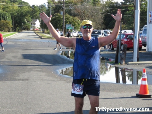 Rock Hall FallFest Rub for Character 5K Run/Walk<br><br><br><br><a href='https://www.trisportsevents.com/pics/IMG_0558_99529755.JPG' download='IMG_0558_99529755.JPG'>Click here to download.</a><Br><a href='http://www.facebook.com/sharer.php?u=http:%2F%2Fwww.trisportsevents.com%2Fpics%2FIMG_0558_99529755.JPG&t=Rock Hall FallFest Rub for Character 5K Run/Walk' target='_blank'><img src='images/fb_share.png' width='100'></a>