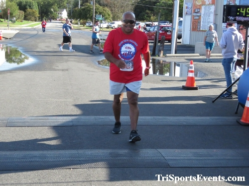 Rock Hall FallFest Rub for Character 5K Run/Walk<br><br><br><br><a href='https://www.trisportsevents.com/pics/IMG_0560_9849255.JPG' download='IMG_0560_9849255.JPG'>Click here to download.</a><Br><a href='http://www.facebook.com/sharer.php?u=http:%2F%2Fwww.trisportsevents.com%2Fpics%2FIMG_0560_9849255.JPG&t=Rock Hall FallFest Rub for Character 5K Run/Walk' target='_blank'><img src='images/fb_share.png' width='100'></a>