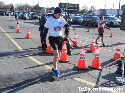 6th Annual Turkey Trot 5K Run/Walk<br><br><br><br><a href='https://www.trisportsevents.com/pics/IMG_0581_14249892.JPG' download='IMG_0581_14249892.JPG'>Click here to download.</a><Br><a href='http://www.facebook.com/sharer.php?u=http:%2F%2Fwww.trisportsevents.com%2Fpics%2FIMG_0581_14249892.JPG&t=6th Annual Turkey Trot 5K Run/Walk' target='_blank'><img src='images/fb_share.png' width='100'></a>