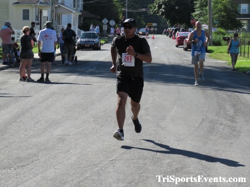 41st Great Wyoming Buffalo Stampede 5K/10K<br><br><br><br><a href='http://www.trisportsevents.com/pics/IMG_0583_48424256.JPG' download='IMG_0583_48424256.JPG'>Click here to download.</a><Br><a href='http://www.facebook.com/sharer.php?u=http:%2F%2Fwww.trisportsevents.com%2Fpics%2FIMG_0583_48424256.JPG&t=41st Great Wyoming Buffalo Stampede 5K/10K' target='_blank'><img src='images/fb_share.png' width='100'></a>