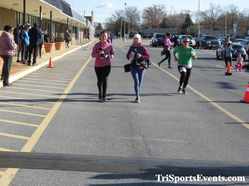 6th Annual Turkey Trot 5K Run/Walk<br><br><br><br><a href='https://www.trisportsevents.com/pics/IMG_0603_93642233.JPG' download='IMG_0603_93642233.JPG'>Click here to download.</a><Br><a href='http://www.facebook.com/sharer.php?u=http:%2F%2Fwww.trisportsevents.com%2Fpics%2FIMG_0603_93642233.JPG&t=6th Annual Turkey Trot 5K Run/Walk' target='_blank'><img src='images/fb_share.png' width='100'></a>