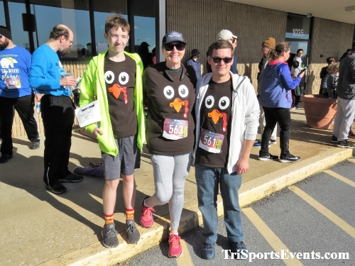 6th Annual Turkey Trot 5K Run/Walk<br><br><br><br><a href='https://www.trisportsevents.com/pics/IMG_0672_6802346.JPG' download='IMG_0672_6802346.JPG'>Click here to download.</a><Br><a href='http://www.facebook.com/sharer.php?u=http:%2F%2Fwww.trisportsevents.com%2Fpics%2FIMG_0672_6802346.JPG&t=6th Annual Turkey Trot 5K Run/Walk' target='_blank'><img src='images/fb_share.png' width='100'></a>