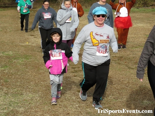 21st Reindeer Stampede 5K Run/Walk<br><br><br><br><a href='https://www.trisportsevents.com/pics/IMG_0779_74879073.JPG' download='IMG_0779_74879073.JPG'>Click here to download.</a><Br><a href='http://www.facebook.com/sharer.php?u=http:%2F%2Fwww.trisportsevents.com%2Fpics%2FIMG_0779_74879073.JPG&t=21st Reindeer Stampede 5K Run/Walk' target='_blank'><img src='images/fb_share.png' width='100'></a>