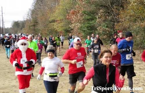 20th Annual Reindeer Stampede 5K Run/Walk<br><br><br><br><a href='https://www.trisportsevents.com/pics/IMG_0859_90337486.JPG' download='IMG_0859_90337486.JPG'>Click here to download.</a><Br><a href='http://www.facebook.com/sharer.php?u=http:%2F%2Fwww.trisportsevents.com%2Fpics%2FIMG_0859_90337486.JPG&t=20th Annual Reindeer Stampede 5K Run/Walk' target='_blank'><img src='images/fb_share.png' width='100'></a>