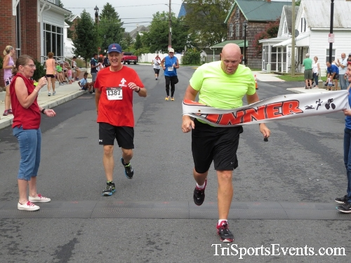 Clayton Fire Running Hot 5K Run/Walk/Roll<br><br><br><br><a href='https://www.trisportsevents.com/pics/IMG_3204.JPG' download='IMG_3204.JPG'>Click here to download.</a><Br><a href='http://www.facebook.com/sharer.php?u=http:%2F%2Fwww.trisportsevents.com%2Fpics%2FIMG_3204.JPG&t=Clayton Fire Running Hot 5K Run/Walk/Roll' target='_blank'><img src='images/fb_share.png' width='100'></a>