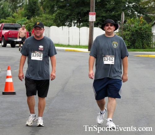 Clayton Fire Running Hot 5K Run/Walk/Roll<br><br><br><br><a href='https://www.trisportsevents.com/pics/IMG_3228.JPG' download='IMG_3228.JPG'>Click here to download.</a><Br><a href='http://www.facebook.com/sharer.php?u=http:%2F%2Fwww.trisportsevents.com%2Fpics%2FIMG_3228.JPG&t=Clayton Fire Running Hot 5K Run/Walk/Roll' target='_blank'><img src='images/fb_share.png' width='100'></a>