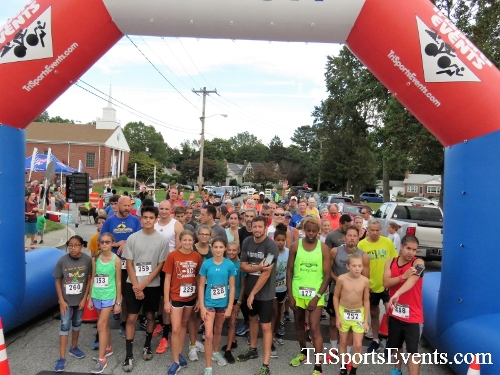 St. Johns Oktoberfest 5K Run/Walk<br><br><br><br><a href='https://www.trisportsevents.com/pics/IMG_4267.JPG' download='IMG_4267.JPG'>Click here to download.</a><Br><a href='http://www.facebook.com/sharer.php?u=http:%2F%2Fwww.trisportsevents.com%2Fpics%2FIMG_4267.JPG&t=St. Johns Oktoberfest 5K Run/Walk' target='_blank'><img src='images/fb_share.png' width='100'></a>