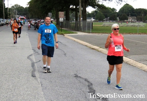 St. Johns Oktoberfest 5K Run/Walk<br><br><br><br><a href='https://www.trisportsevents.com/pics/IMG_4302.JPG' download='IMG_4302.JPG'>Click here to download.</a><Br><a href='http://www.facebook.com/sharer.php?u=http:%2F%2Fwww.trisportsevents.com%2Fpics%2FIMG_4302.JPG&t=St. Johns Oktoberfest 5K Run/Walk' target='_blank'><img src='images/fb_share.png' width='100'></a>