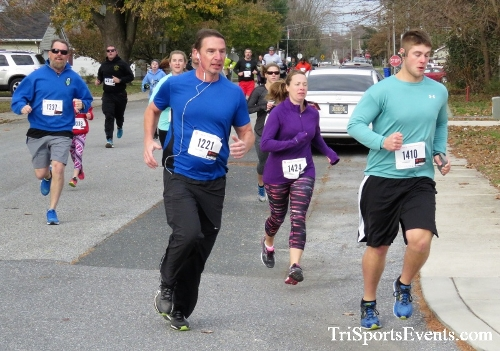 Gobble Wobble 5K Run/Walk<br><br>2017 Gobble Wobble 5K<p><br><br><a href='https://www.trisportsevents.com/pics/IMG_5263.JPG' download='IMG_5263.JPG'>Click here to download.</a><Br><a href='http://www.facebook.com/sharer.php?u=http:%2F%2Fwww.trisportsevents.com%2Fpics%2FIMG_5263.JPG&t=Gobble Wobble 5K Run/Walk' target='_blank'><img src='images/fb_share.png' width='100'></a>