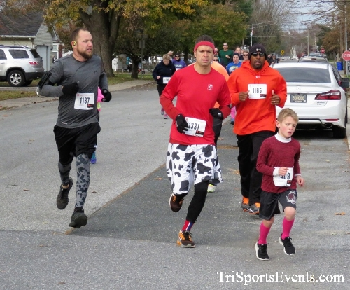 Gobble Wobble 5K Run/Walk<br><br>2017 Gobble Wobble 5K<p><br><br><a href='https://www.trisportsevents.com/pics/IMG_5268.JPG' download='IMG_5268.JPG'>Click here to download.</a><Br><a href='http://www.facebook.com/sharer.php?u=http:%2F%2Fwww.trisportsevents.com%2Fpics%2FIMG_5268.JPG&t=Gobble Wobble 5K Run/Walk' target='_blank'><img src='images/fb_share.png' width='100'></a>