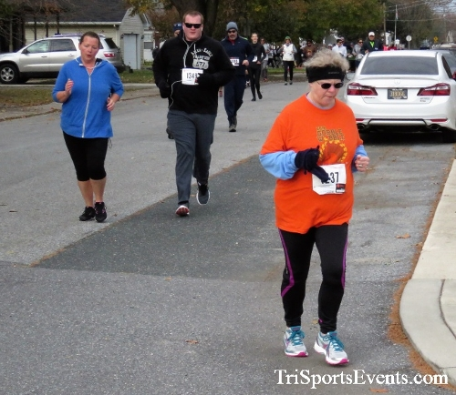 Gobble Wobble 5K Run/Walk<br><br>2017 Gobble Wobble 5K<p><br><br><a href='https://www.trisportsevents.com/pics/IMG_5308.JPG' download='IMG_5308.JPG'>Click here to download.</a><Br><a href='http://www.facebook.com/sharer.php?u=http:%2F%2Fwww.trisportsevents.com%2Fpics%2FIMG_5308.JPG&t=Gobble Wobble 5K Run/Walk' target='_blank'><img src='images/fb_share.png' width='100'></a>