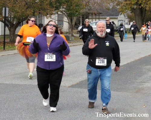 Gobble Wobble 5K Run/Walk<br><br>2017 Gobble Wobble 5K<p><br><br><a href='https://www.trisportsevents.com/pics/IMG_5349.JPG' download='IMG_5349.JPG'>Click here to download.</a><Br><a href='http://www.facebook.com/sharer.php?u=http:%2F%2Fwww.trisportsevents.com%2Fpics%2FIMG_5349.JPG&t=Gobble Wobble 5K Run/Walk' target='_blank'><img src='images/fb_share.png' width='100'></a>