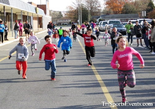 4th Annual Turkey Trot 5k Run/Walk<br><br><br><br><a href='https://www.trisportsevents.com/pics/IMG_5652.JPG' download='IMG_5652.JPG'>Click here to download.</a><Br><a href='http://www.facebook.com/sharer.php?u=http:%2F%2Fwww.trisportsevents.com%2Fpics%2FIMG_5652.JPG&t=4th Annual Turkey Trot 5k Run/Walk' target='_blank'><img src='images/fb_share.png' width='100'></a>