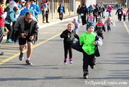 4th Annual Turkey Trot 5k Run/Walk<br><br><br><br><a href='https://www.trisportsevents.com/pics/IMG_5658.JPG' download='IMG_5658.JPG'>Click here to download.</a><Br><a href='http://www.facebook.com/sharer.php?u=http:%2F%2Fwww.trisportsevents.com%2Fpics%2FIMG_5658.JPG&t=4th Annual Turkey Trot 5k Run/Walk' target='_blank'><img src='images/fb_share.png' width='100'></a>