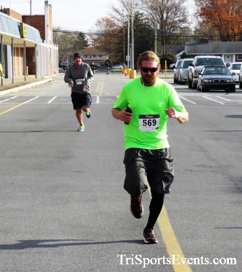 4th Annual Turkey Trot 5k Run/Walk<br><br><br><br><a href='https://www.trisportsevents.com/pics/IMG_5805.JPG' download='IMG_5805.JPG'>Click here to download.</a><Br><a href='http://www.facebook.com/sharer.php?u=http:%2F%2Fwww.trisportsevents.com%2Fpics%2FIMG_5805.JPG&t=4th Annual Turkey Trot 5k Run/Walk' target='_blank'><img src='images/fb_share.png' width='100'></a>