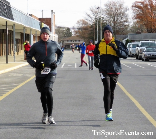 4th Annual Turkey Trot 5k Run/Walk<br><br><br><br><a href='https://www.trisportsevents.com/pics/IMG_5825.JPG' download='IMG_5825.JPG'>Click here to download.</a><Br><a href='http://www.facebook.com/sharer.php?u=http:%2F%2Fwww.trisportsevents.com%2Fpics%2FIMG_5825.JPG&t=4th Annual Turkey Trot 5k Run/Walk' target='_blank'><img src='images/fb_share.png' width='100'></a>