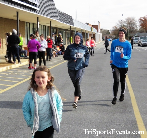 4th Annual Turkey Trot 5k Run/Walk<br><br><br><br><a href='https://www.trisportsevents.com/pics/IMG_5933.JPG' download='IMG_5933.JPG'>Click here to download.</a><Br><a href='http://www.facebook.com/sharer.php?u=http:%2F%2Fwww.trisportsevents.com%2Fpics%2FIMG_5933.JPG&t=4th Annual Turkey Trot 5k Run/Walk' target='_blank'><img src='images/fb_share.png' width='100'></a>