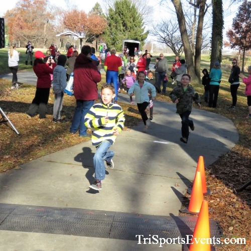 Share the Holiday Spirit 5K Run/Walk<br><br><br><br><a href='http://www.trisportsevents.com/pics/IMG_6305.JPG' download='IMG_6305.JPG'>Click here to download.</a><Br><a href='http://www.facebook.com/sharer.php?u=http:%2F%2Fwww.trisportsevents.com%2Fpics%2FIMG_6305.JPG&t=Share the Holiday Spirit 5K Run/Walk' target='_blank'><img src='images/fb_share.png' width='100'></a>
