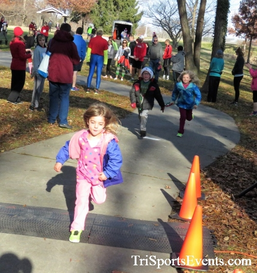 Share the Holiday Spirit 5K Run/Walk<br><br><br><br><a href='http://www.trisportsevents.com/pics/IMG_6309.JPG' download='IMG_6309.JPG'>Click here to download.</a><Br><a href='http://www.facebook.com/sharer.php?u=http:%2F%2Fwww.trisportsevents.com%2Fpics%2FIMG_6309.JPG&t=Share the Holiday Spirit 5K Run/Walk' target='_blank'><img src='images/fb_share.png' width='100'></a>