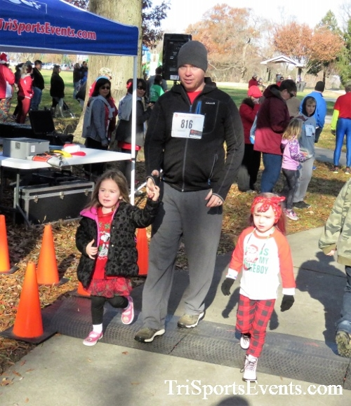 Share the Holiday Spirit 5K Run/Walk<br><br><br><br><a href='https://www.trisportsevents.com/pics/IMG_6313.JPG' download='IMG_6313.JPG'>Click here to download.</a><Br><a href='http://www.facebook.com/sharer.php?u=http:%2F%2Fwww.trisportsevents.com%2Fpics%2FIMG_6313.JPG&t=Share the Holiday Spirit 5K Run/Walk' target='_blank'><img src='images/fb_share.png' width='100'></a>