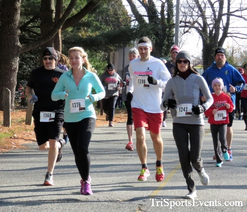 Share the Holiday Spirit 5K Run/Walk<br><br><br><br><a href='http://www.trisportsevents.com/pics/IMG_6325.JPG' download='IMG_6325.JPG'>Click here to download.</a><Br><a href='http://www.facebook.com/sharer.php?u=http:%2F%2Fwww.trisportsevents.com%2Fpics%2FIMG_6325.JPG&t=Share the Holiday Spirit 5K Run/Walk' target='_blank'><img src='images/fb_share.png' width='100'></a>
