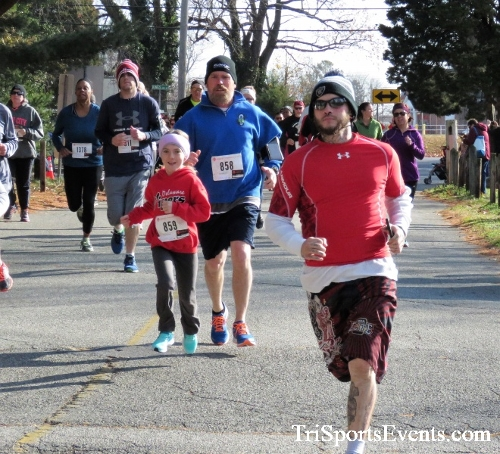 Share the Holiday Spirit 5K Run/Walk<br><br><br><br><a href='http://www.trisportsevents.com/pics/IMG_6326.JPG' download='IMG_6326.JPG'>Click here to download.</a><Br><a href='http://www.facebook.com/sharer.php?u=http:%2F%2Fwww.trisportsevents.com%2Fpics%2FIMG_6326.JPG&t=Share the Holiday Spirit 5K Run/Walk' target='_blank'><img src='images/fb_share.png' width='100'></a>