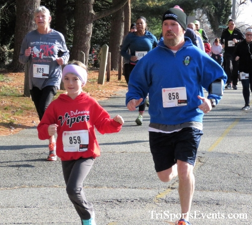 Share the Holiday Spirit 5K Run/Walk<br><br><br><br><a href='https://www.trisportsevents.com/pics/IMG_6327.JPG' download='IMG_6327.JPG'>Click here to download.</a><Br><a href='http://www.facebook.com/sharer.php?u=http:%2F%2Fwww.trisportsevents.com%2Fpics%2FIMG_6327.JPG&t=Share the Holiday Spirit 5K Run/Walk' target='_blank'><img src='images/fb_share.png' width='100'></a>