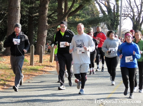 Share the Holiday Spirit 5K Run/Walk<br><br><br><br><a href='http://www.trisportsevents.com/pics/IMG_6330.JPG' download='IMG_6330.JPG'>Click here to download.</a><Br><a href='http://www.facebook.com/sharer.php?u=http:%2F%2Fwww.trisportsevents.com%2Fpics%2FIMG_6330.JPG&t=Share the Holiday Spirit 5K Run/Walk' target='_blank'><img src='images/fb_share.png' width='100'></a>