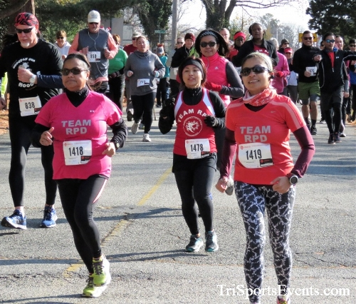 Share the Holiday Spirit 5K Run/Walk<br><br><br><br><a href='https://www.trisportsevents.com/pics/IMG_6333.JPG' download='IMG_6333.JPG'>Click here to download.</a><Br><a href='http://www.facebook.com/sharer.php?u=http:%2F%2Fwww.trisportsevents.com%2Fpics%2FIMG_6333.JPG&t=Share the Holiday Spirit 5K Run/Walk' target='_blank'><img src='images/fb_share.png' width='100'></a>