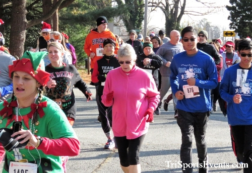 Share the Holiday Spirit 5K Run/Walk<br><br><br><br><a href='http://www.trisportsevents.com/pics/IMG_6336.JPG' download='IMG_6336.JPG'>Click here to download.</a><Br><a href='http://www.facebook.com/sharer.php?u=http:%2F%2Fwww.trisportsevents.com%2Fpics%2FIMG_6336.JPG&t=Share the Holiday Spirit 5K Run/Walk' target='_blank'><img src='images/fb_share.png' width='100'></a>