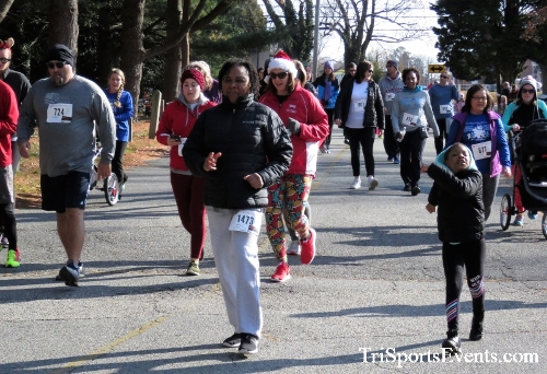 Share the Holiday Spirit 5K Run/Walk<br><br><br><br><a href='https://www.trisportsevents.com/pics/IMG_6341.JPG' download='IMG_6341.JPG'>Click here to download.</a><Br><a href='http://www.facebook.com/sharer.php?u=http:%2F%2Fwww.trisportsevents.com%2Fpics%2FIMG_6341.JPG&t=Share the Holiday Spirit 5K Run/Walk' target='_blank'><img src='images/fb_share.png' width='100'></a>