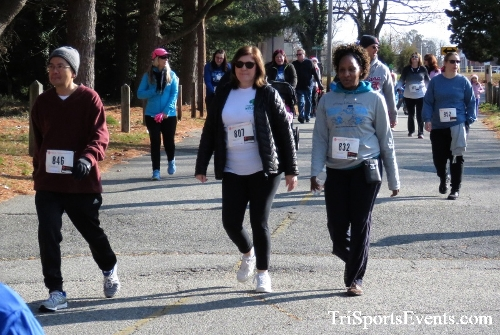 Share the Holiday Spirit 5K Run/Walk<br><br><br><br><a href='https://www.trisportsevents.com/pics/IMG_6343.JPG' download='IMG_6343.JPG'>Click here to download.</a><Br><a href='http://www.facebook.com/sharer.php?u=http:%2F%2Fwww.trisportsevents.com%2Fpics%2FIMG_6343.JPG&t=Share the Holiday Spirit 5K Run/Walk' target='_blank'><img src='images/fb_share.png' width='100'></a>