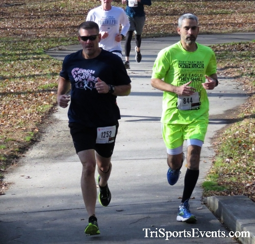 Share the Holiday Spirit 5K Run/Walk<br><br><br><br><a href='http://www.trisportsevents.com/pics/IMG_6355.JPG' download='IMG_6355.JPG'>Click here to download.</a><Br><a href='http://www.facebook.com/sharer.php?u=http:%2F%2Fwww.trisportsevents.com%2Fpics%2FIMG_6355.JPG&t=Share the Holiday Spirit 5K Run/Walk' target='_blank'><img src='images/fb_share.png' width='100'></a>