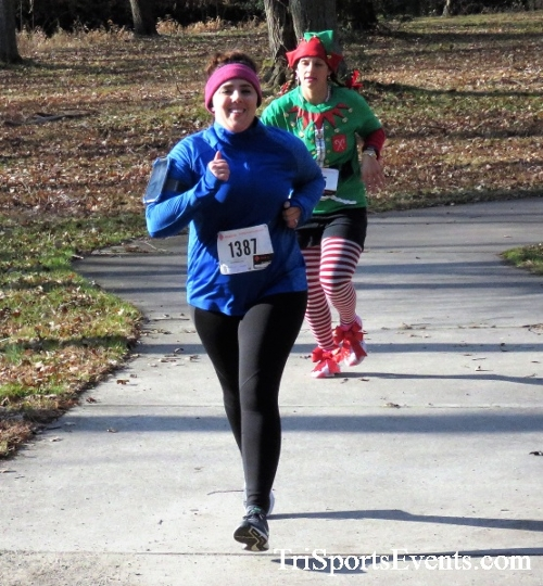 Share the Holiday Spirit 5K Run/Walk<br><br><br><br><a href='http://www.trisportsevents.com/pics/IMG_6377.JPG' download='IMG_6377.JPG'>Click here to download.</a><Br><a href='http://www.facebook.com/sharer.php?u=http:%2F%2Fwww.trisportsevents.com%2Fpics%2FIMG_6377.JPG&t=Share the Holiday Spirit 5K Run/Walk' target='_blank'><img src='images/fb_share.png' width='100'></a>