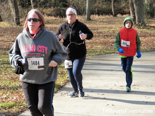 Share the Holiday Spirit 5K Run/Walk<br><br><br><br><a href='http://www.trisportsevents.com/pics/IMG_6380.JPG' download='IMG_6380.JPG'>Click here to download.</a><Br><a href='http://www.facebook.com/sharer.php?u=http:%2F%2Fwww.trisportsevents.com%2Fpics%2FIMG_6380.JPG&t=Share the Holiday Spirit 5K Run/Walk' target='_blank'><img src='images/fb_share.png' width='100'></a>