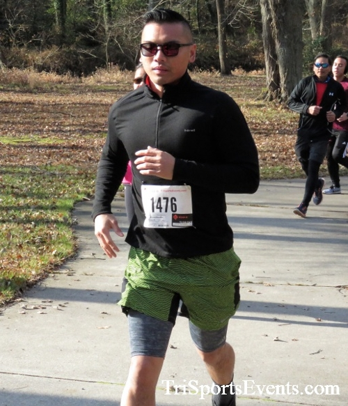 Share the Holiday Spirit 5K Run/Walk<br><br><br><br><a href='http://www.trisportsevents.com/pics/IMG_6384.JPG' download='IMG_6384.JPG'>Click here to download.</a><Br><a href='http://www.facebook.com/sharer.php?u=http:%2F%2Fwww.trisportsevents.com%2Fpics%2FIMG_6384.JPG&t=Share the Holiday Spirit 5K Run/Walk' target='_blank'><img src='images/fb_share.png' width='100'></a>