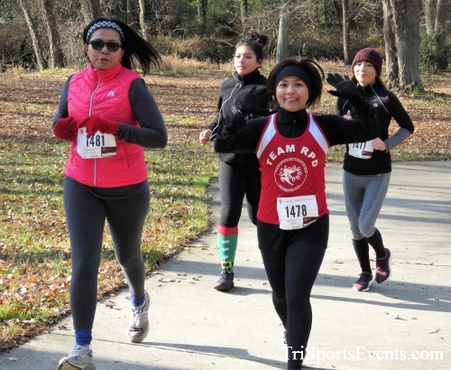 Share the Holiday Spirit 5K Run/Walk<br><br><br><br><a href='http://www.trisportsevents.com/pics/IMG_6387.JPG' download='IMG_6387.JPG'>Click here to download.</a><Br><a href='http://www.facebook.com/sharer.php?u=http:%2F%2Fwww.trisportsevents.com%2Fpics%2FIMG_6387.JPG&t=Share the Holiday Spirit 5K Run/Walk' target='_blank'><img src='images/fb_share.png' width='100'></a>