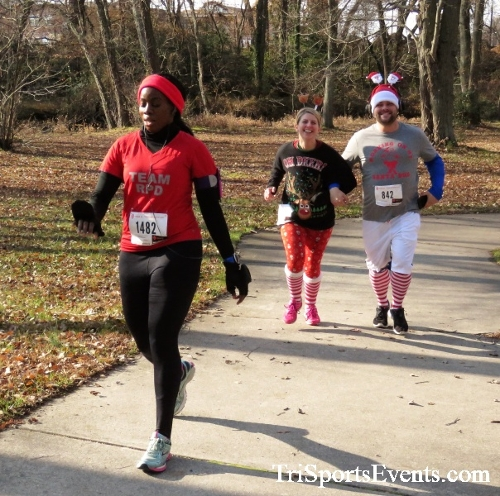 Share the Holiday Spirit 5K Run/Walk<br><br><br><br><a href='http://www.trisportsevents.com/pics/IMG_6390.JPG' download='IMG_6390.JPG'>Click here to download.</a><Br><a href='http://www.facebook.com/sharer.php?u=http:%2F%2Fwww.trisportsevents.com%2Fpics%2FIMG_6390.JPG&t=Share the Holiday Spirit 5K Run/Walk' target='_blank'><img src='images/fb_share.png' width='100'></a>