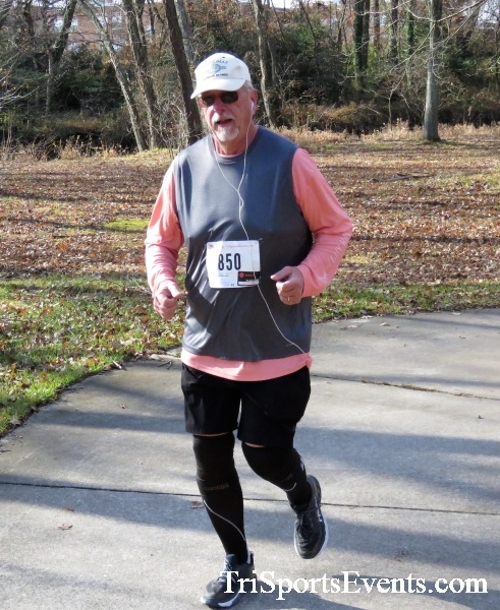 Share the Holiday Spirit 5K Run/Walk<br><br><br><br><a href='https://www.trisportsevents.com/pics/IMG_6397.JPG' download='IMG_6397.JPG'>Click here to download.</a><Br><a href='http://www.facebook.com/sharer.php?u=http:%2F%2Fwww.trisportsevents.com%2Fpics%2FIMG_6397.JPG&t=Share the Holiday Spirit 5K Run/Walk' target='_blank'><img src='images/fb_share.png' width='100'></a>