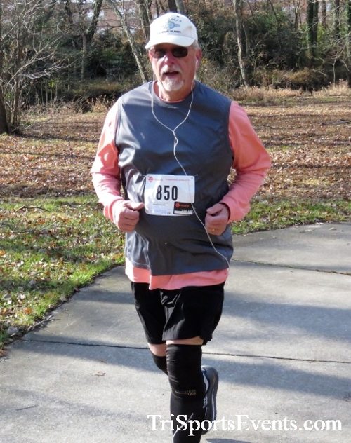 Share the Holiday Spirit 5K Run/Walk<br><br><br><br><a href='http://www.trisportsevents.com/pics/IMG_6398.JPG' download='IMG_6398.JPG'>Click here to download.</a><Br><a href='http://www.facebook.com/sharer.php?u=http:%2F%2Fwww.trisportsevents.com%2Fpics%2FIMG_6398.JPG&t=Share the Holiday Spirit 5K Run/Walk' target='_blank'><img src='images/fb_share.png' width='100'></a>
