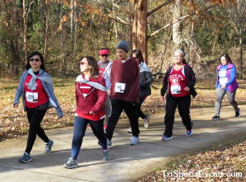 Share the Holiday Spirit 5K Run/Walk<br><br><br><br><a href='http://www.trisportsevents.com/pics/IMG_6413.JPG' download='IMG_6413.JPG'>Click here to download.</a><Br><a href='http://www.facebook.com/sharer.php?u=http:%2F%2Fwww.trisportsevents.com%2Fpics%2FIMG_6413.JPG&t=Share the Holiday Spirit 5K Run/Walk' target='_blank'><img src='images/fb_share.png' width='100'></a>