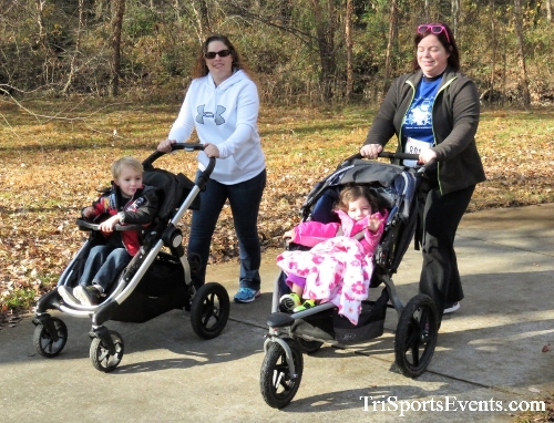 Share the Holiday Spirit 5K Run/Walk<br><br><br><br><a href='https://www.trisportsevents.com/pics/IMG_6420.JPG' download='IMG_6420.JPG'>Click here to download.</a><Br><a href='http://www.facebook.com/sharer.php?u=http:%2F%2Fwww.trisportsevents.com%2Fpics%2FIMG_6420.JPG&t=Share the Holiday Spirit 5K Run/Walk' target='_blank'><img src='images/fb_share.png' width='100'></a>