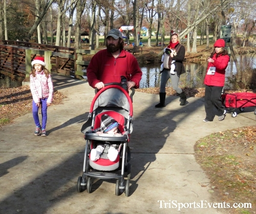 Share the Holiday Spirit 5K Run/Walk<br><br><br><br><a href='http://www.trisportsevents.com/pics/IMG_6426.JPG' download='IMG_6426.JPG'>Click here to download.</a><Br><a href='http://www.facebook.com/sharer.php?u=http:%2F%2Fwww.trisportsevents.com%2Fpics%2FIMG_6426.JPG&t=Share the Holiday Spirit 5K Run/Walk' target='_blank'><img src='images/fb_share.png' width='100'></a>