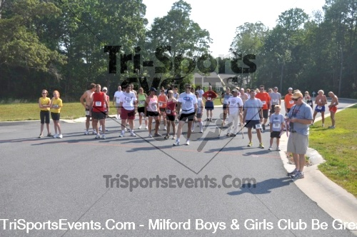 Milford Boys & Girls Club Be Great 5K Run/Walk<br><br><br><br><a href='http://www.trisportsevents.com/pics/pic00111.JPG' download='pic00111.JPG'>Click here to download.</a><Br><a href='http://www.facebook.com/sharer.php?u=http:%2F%2Fwww.trisportsevents.com%2Fpics%2Fpic00111.JPG&t=Milford Boys & Girls Club Be Great 5K Run/Walk' target='_blank'><img src='images/fb_share.png' width='100'></a>
